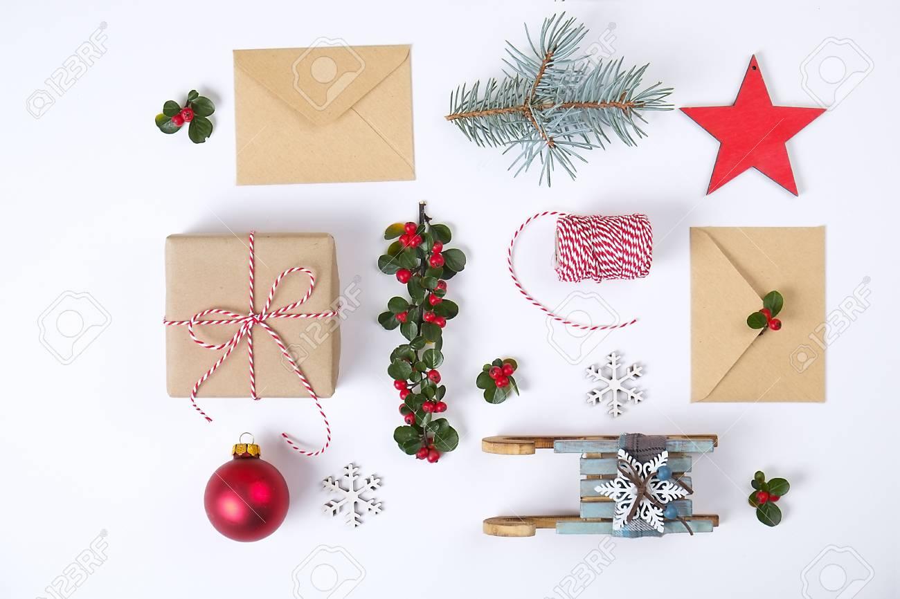 Composition De Cadre De Noël. Cadeau De Noël, Branche De Pin