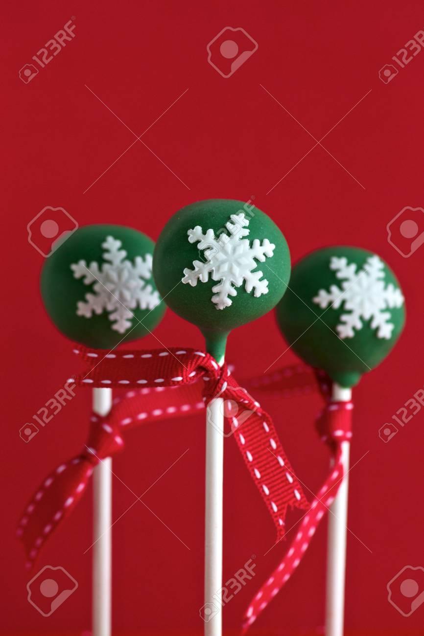 Christmas Cake Pops.Green Christmas Cake Pops