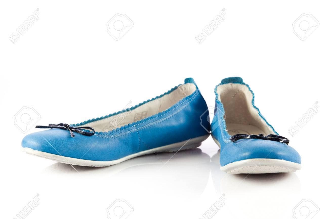 Zapatos De Vestir De Color Azul Zapatos Para Niños Aislados En Un Fondo Blanco