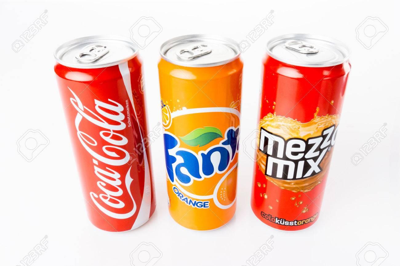 DÜSSELDORF, DEUTSCHLAND - 28. März 2014: Coca-Cola, Fanta Und Mezzo ...