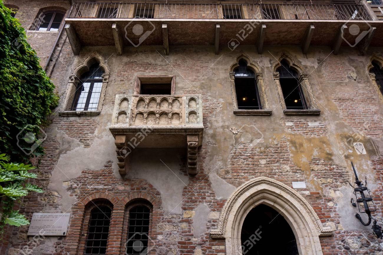 Der Beruhmte Balkon Von Romeo Und Julia In Verona Italien Julias