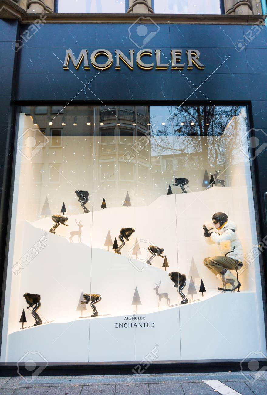 ea4a64212 FRANKFURT,GERMANY - November 30, 2015: Side view of Moncler store..