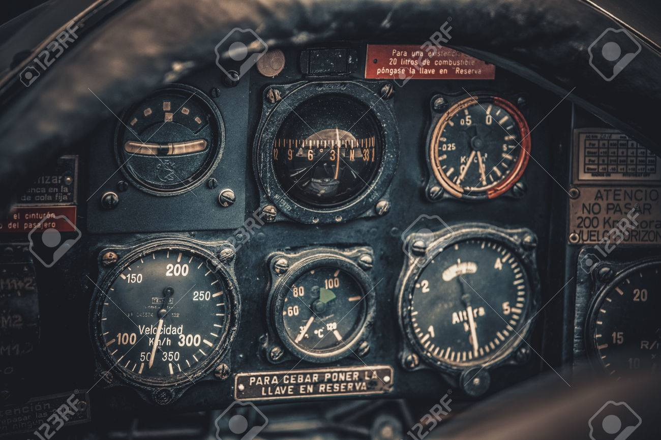 Airplane Instrument Panel Stock Photos And Images - 123RF