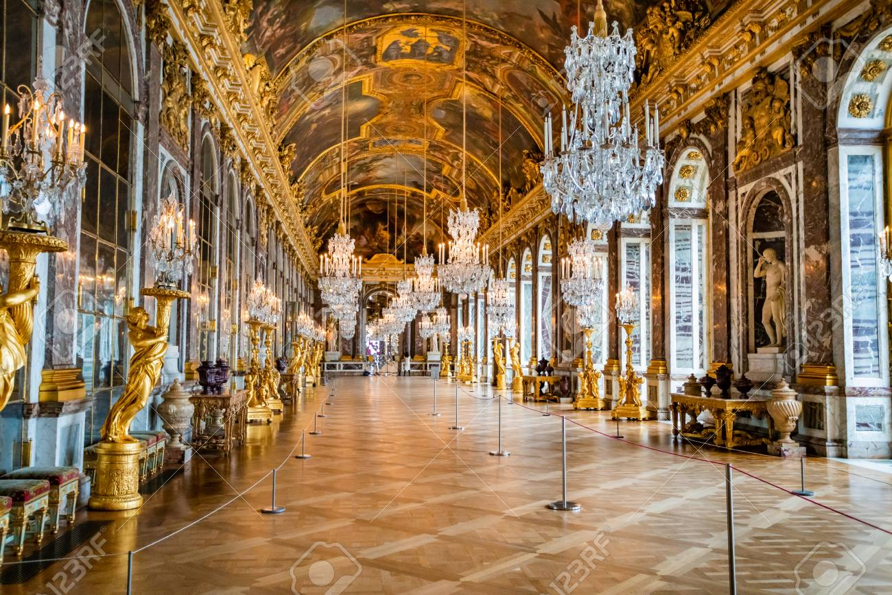 VERSAILLES, FRANCE - February 14, 2018 :Hall of Mirrors in the palace of Versailles - 131860980