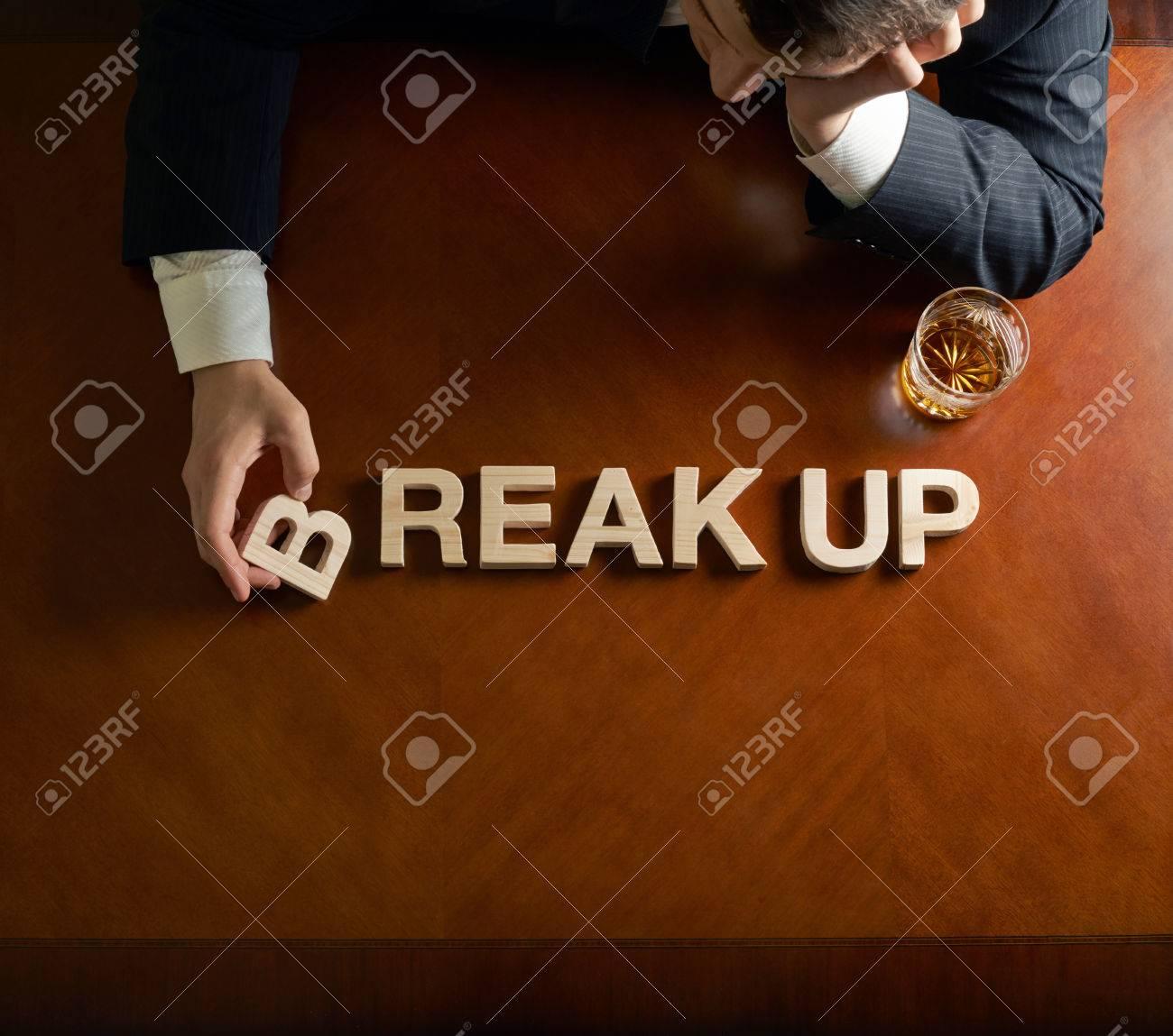 Uomo Parole Up Devastato E Stampatello In Break Mezza Di Legno In rr5qp8n0