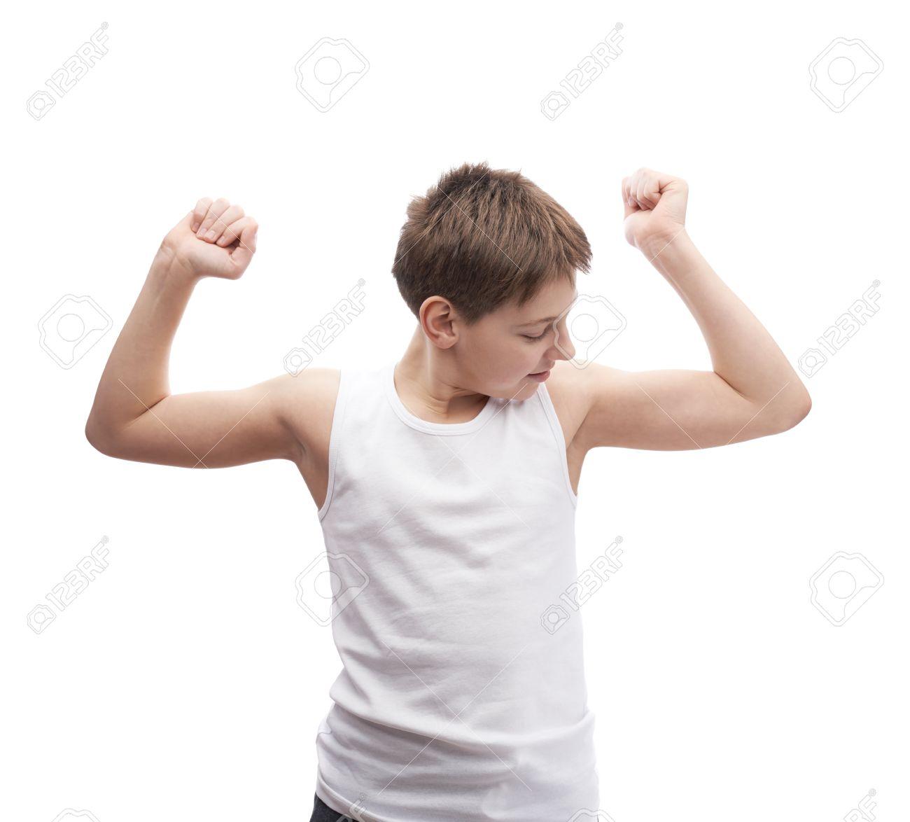 Glücklicher Junger Junge In Einem ärmellosen Weißen T-Shirt, Der ...