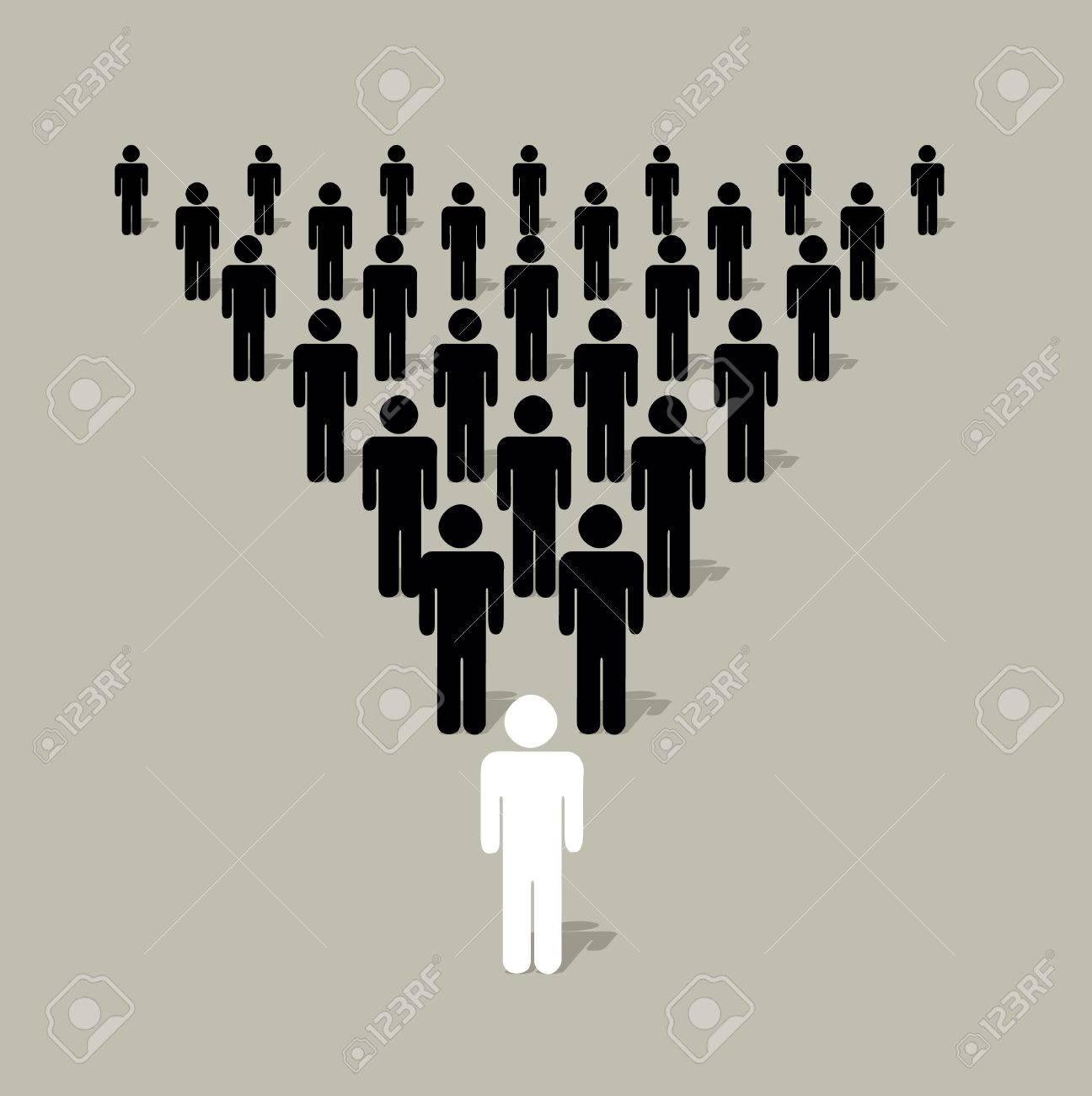 Estructura Piramidal Con Siluetas Humanas Con Un Líder De Otro