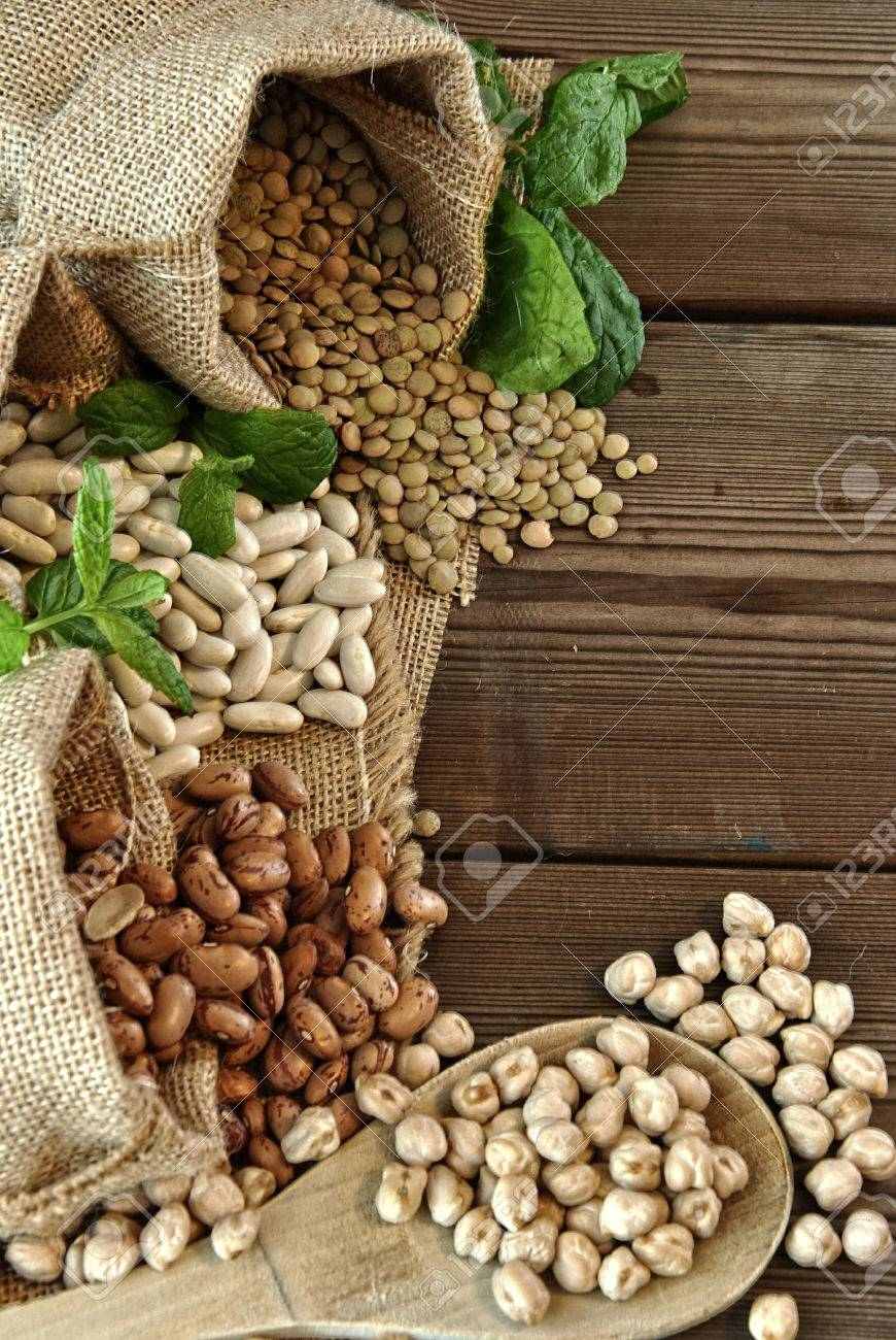 lentils, chickpeas, red beans in cloth bags - 25306130