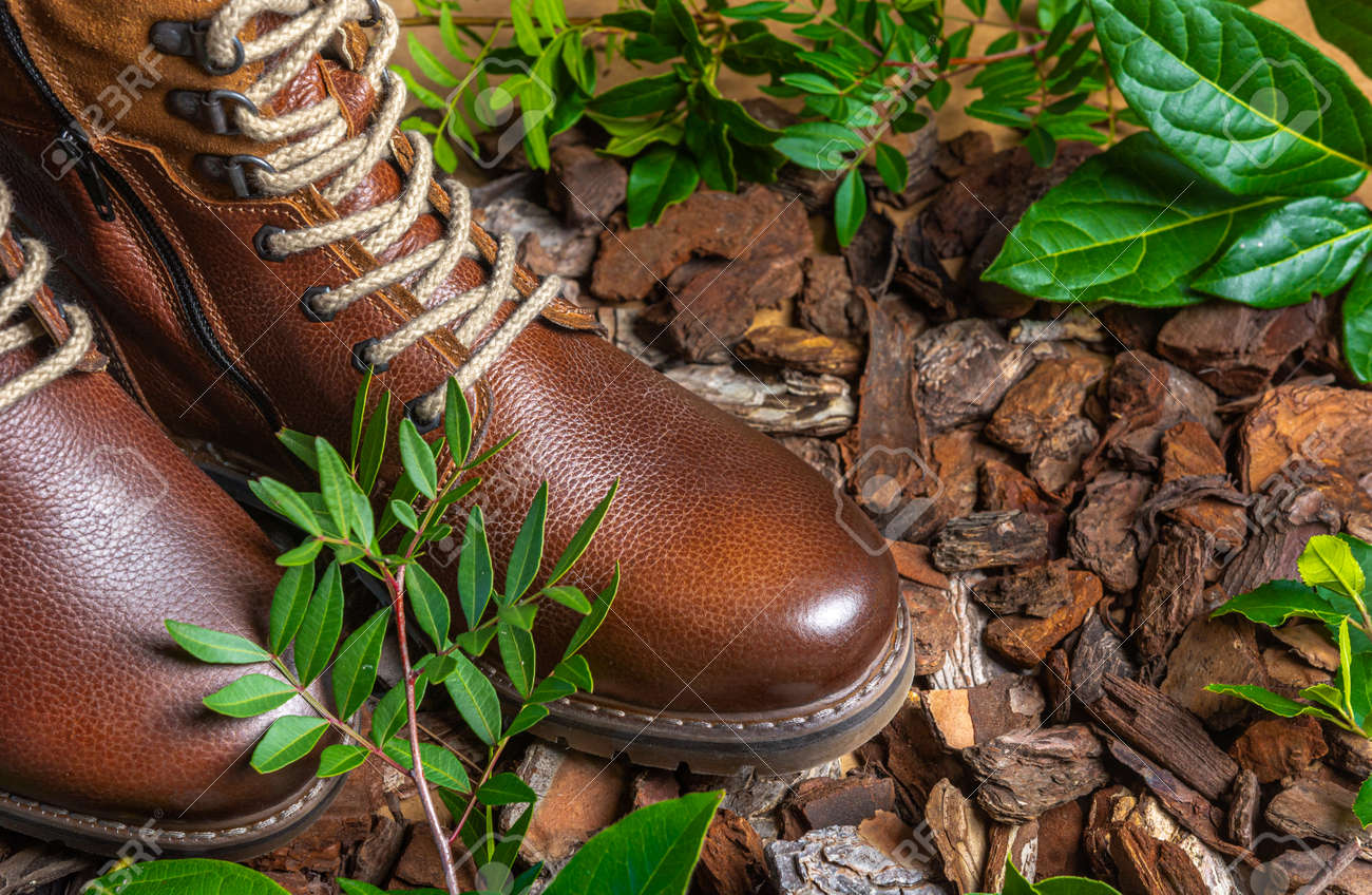 Real leather boots for men. Waterproof boots for walking in the mountains. Hard boots - 157242309