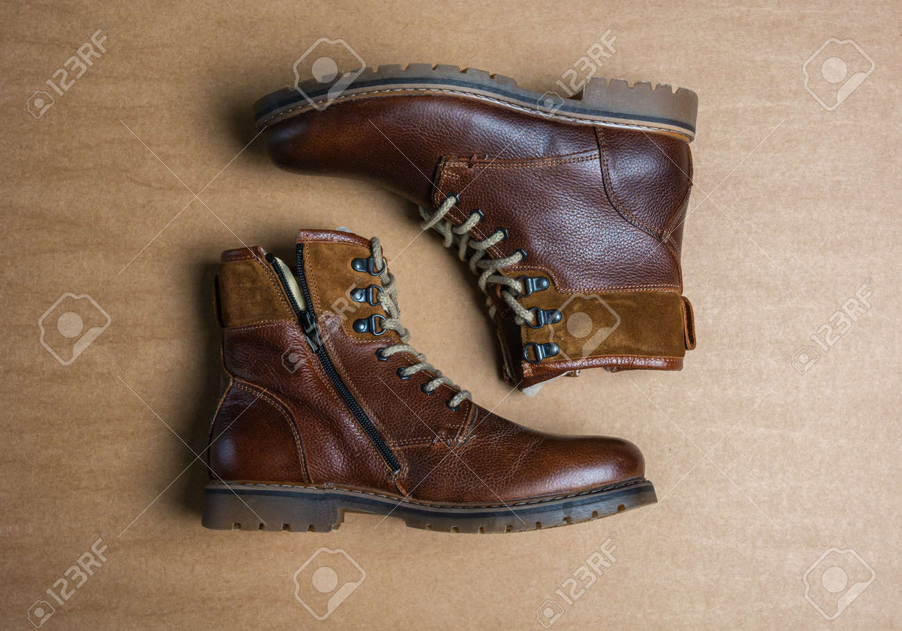 Real leather boots for men. Waterproof boots for walking in the mountains. Hard boots - 157245992