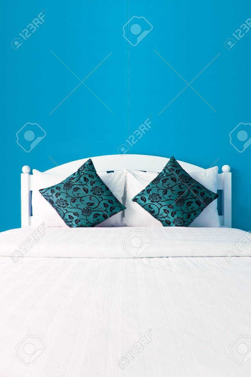 Chambre Bleu Ciel Et Lin chambre bleu ciel dans une maison moderne - l'aménagement des intérieurs