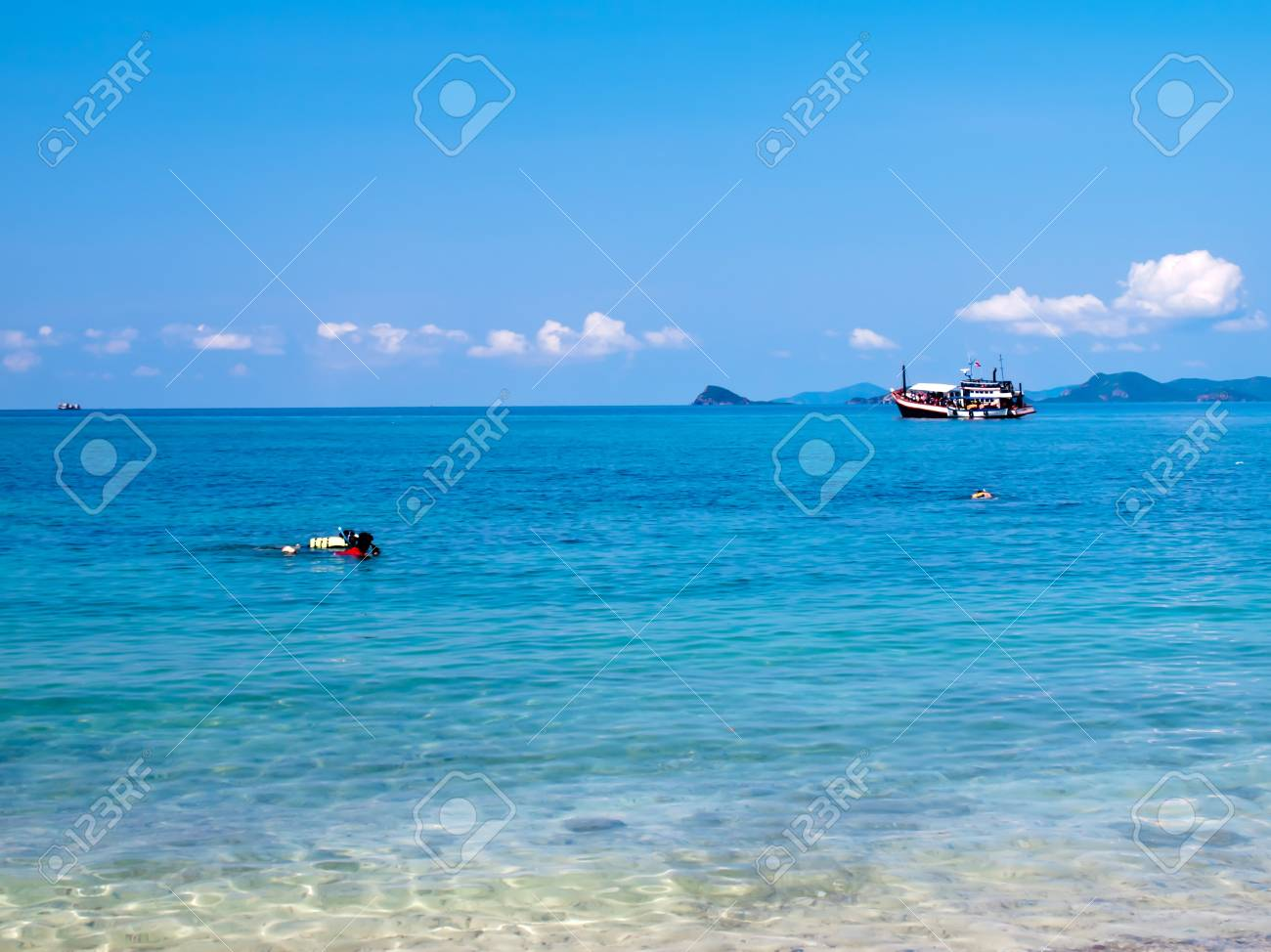 Skindive and cruising at Ko Kham island, Sattahip, Chon Buri, Thailand Stock Photo - 16852022