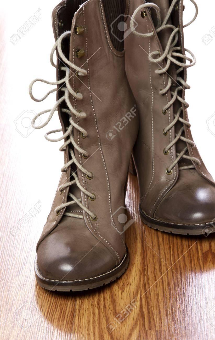 0d202791 Gray marrón para mujer botas altas de tacón con cordones