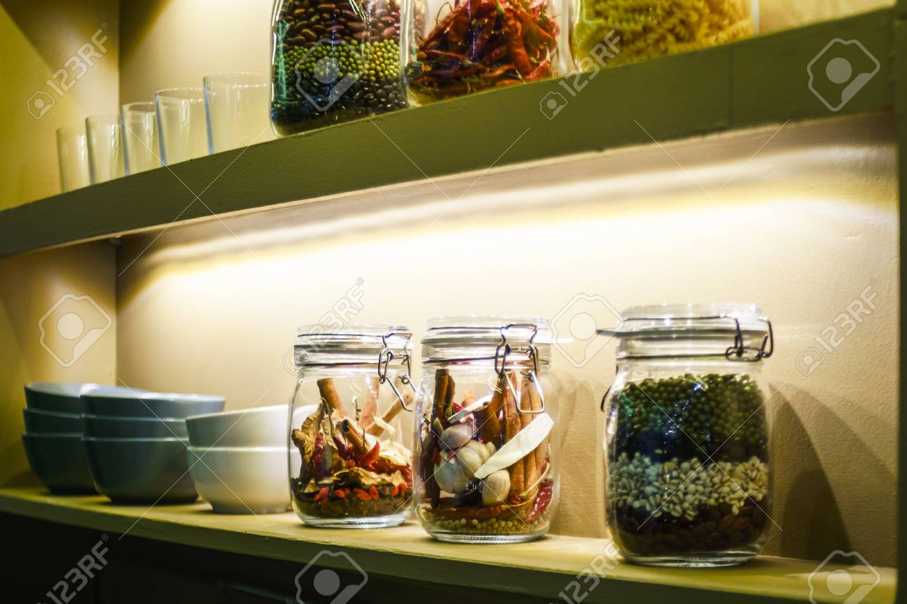 Idee Der Innenhauptdekoration Mit Getreide, Traditionelle Thai ...