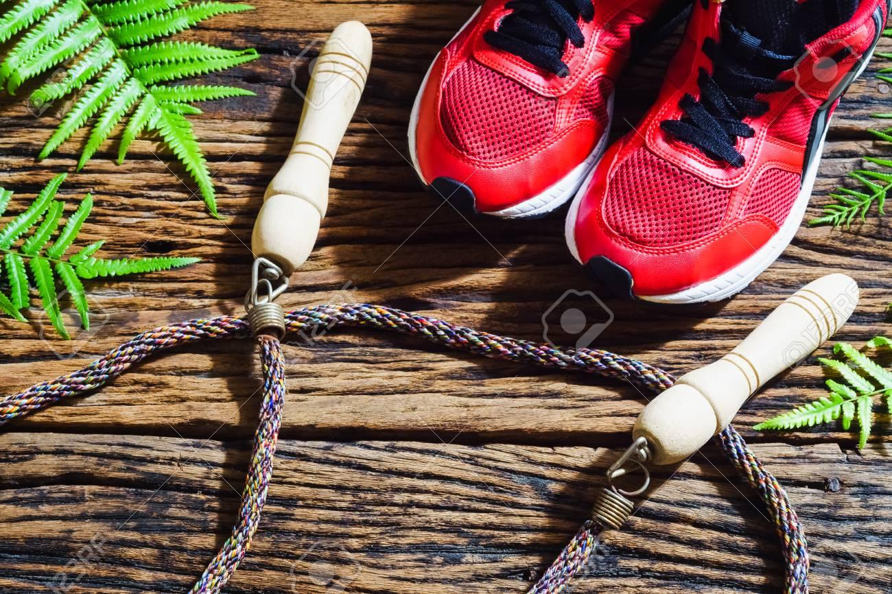 Sains Fond Sauter Bois Vie Rouges Sur À ActifsChaussures De En Et FitnessModes Sport Corde f7yb6g