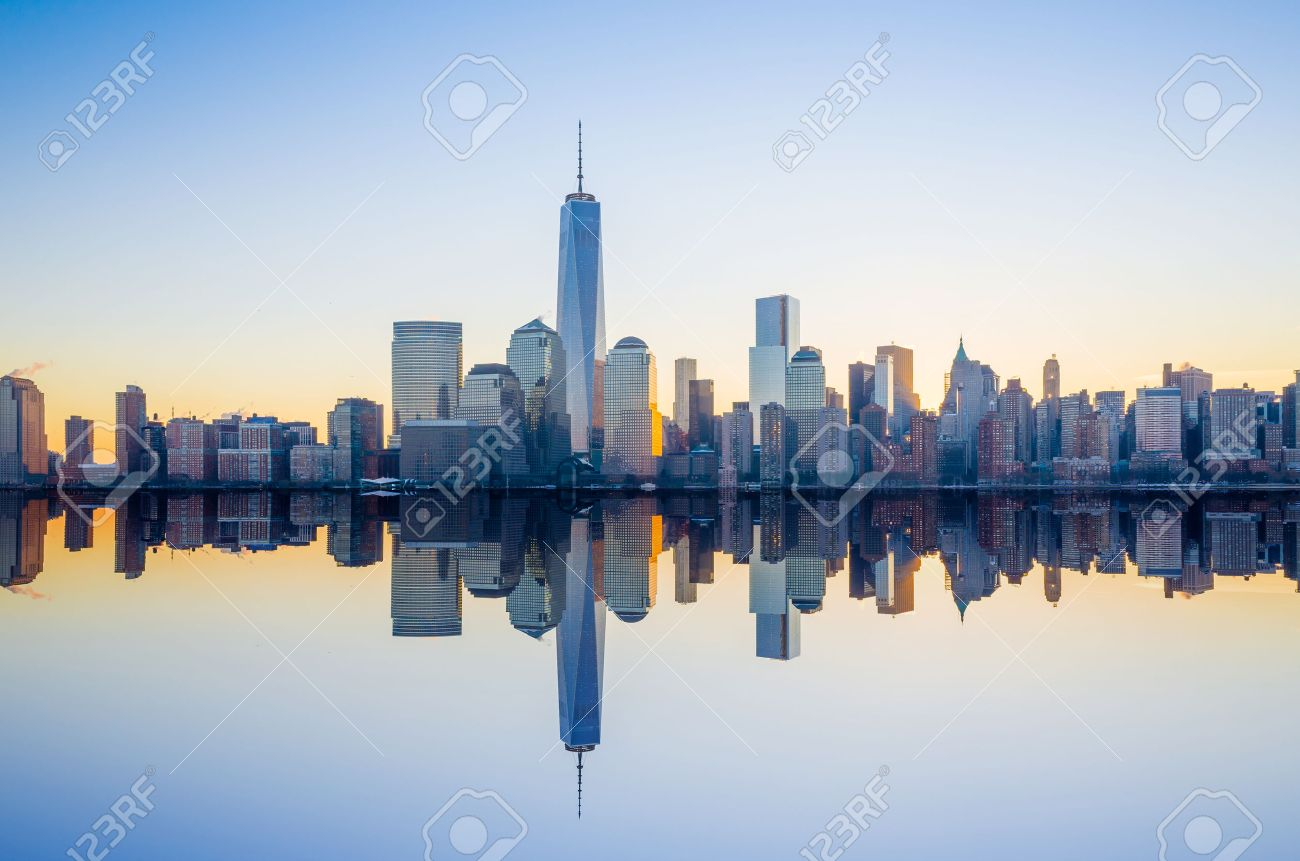 manhattan skyline with the one world trade center building at