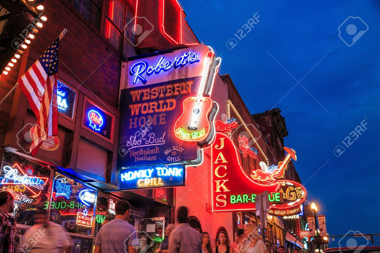 NASHVILLE - AUGUST 1: Neon signs on Lower Broadway Area on August 1, 2014 in Nashville, Tennessee, USA Stock Photo - 30709124
