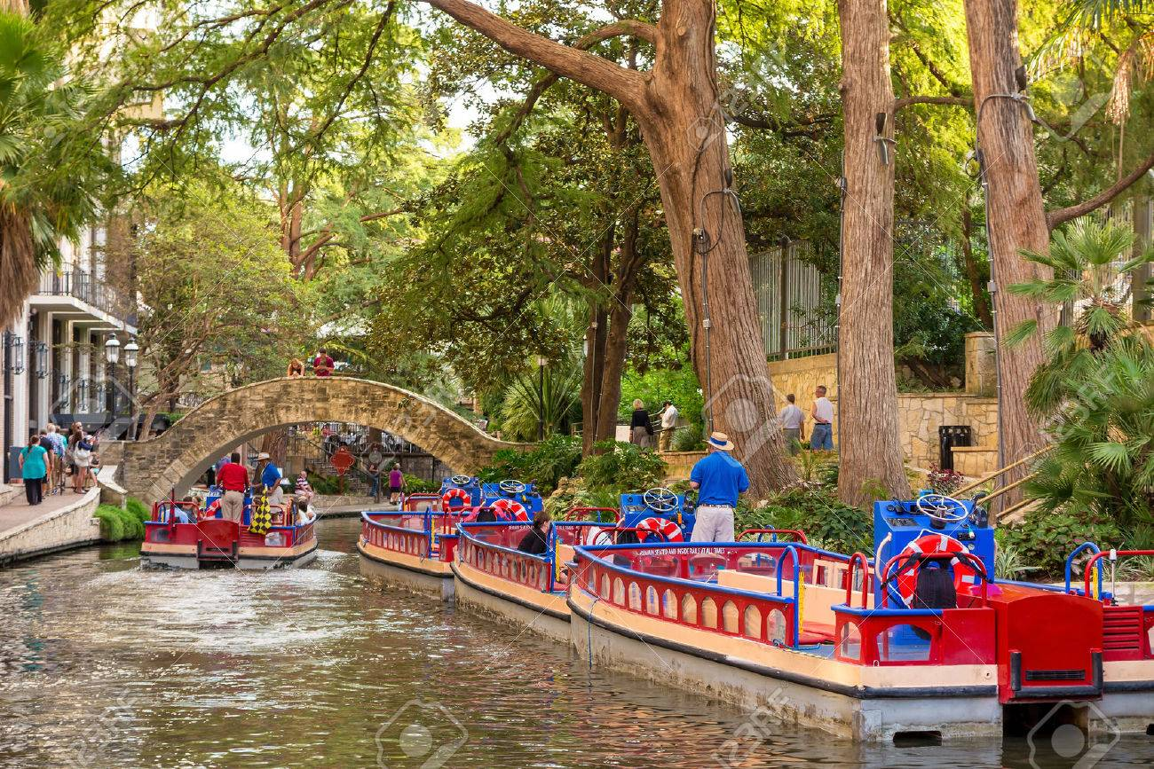 River Walk in San Antonio, Texas Stock Photo - 37317554