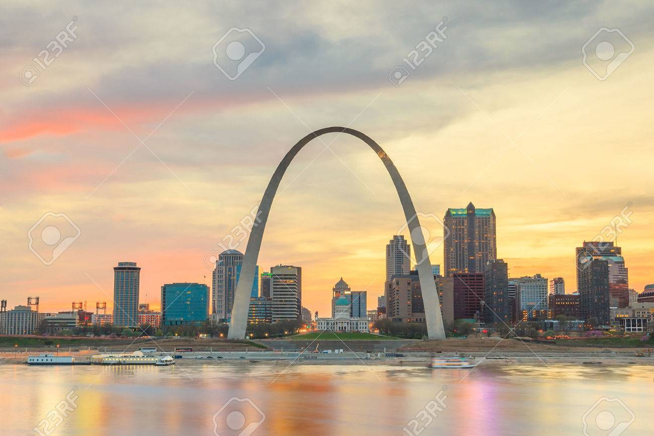 City of St. Louis skyline. Image of St. Louis downtown  at twilight. Stock Photo - 44271231
