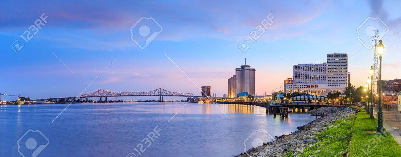 Downtown New Orleans, Louisiana and the Missisippi River at twilight Stock Photo - 50671419