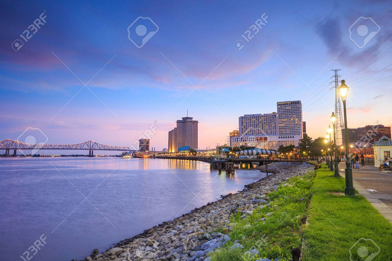Downtown New Orleans, Louisiana and the Missisippi River at twilight Stock Photo - 50671642
