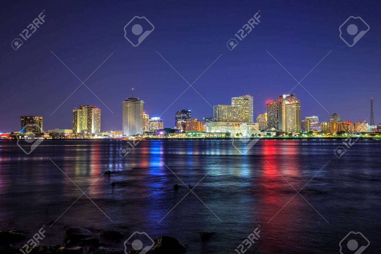 Downtown New Orleans, Louisiana and the Mississippi River at twilight Stock Photo - 50671749