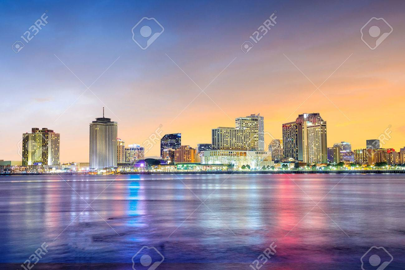 Downtown New Orleans, Louisiana and the Mississippi River at twilight Stock Photo - 50671925