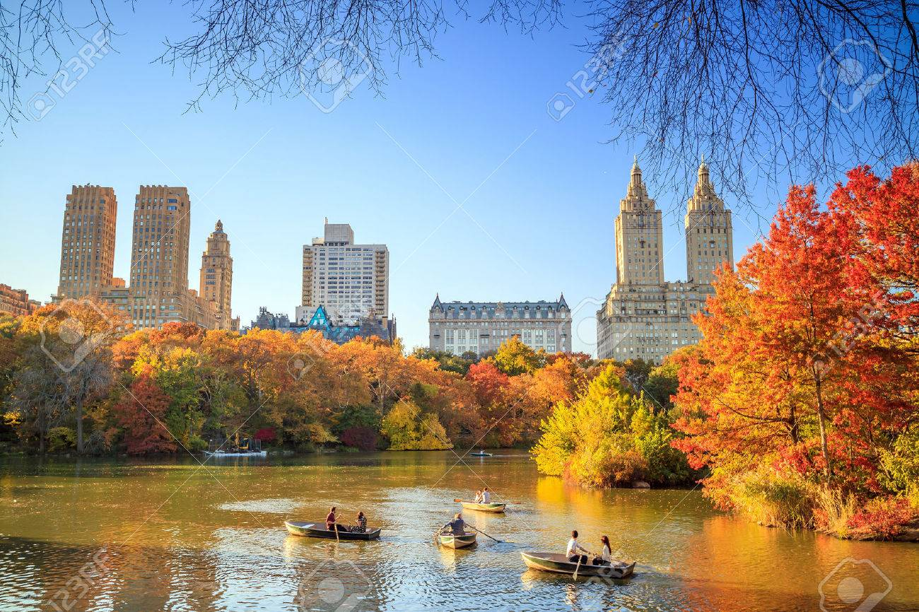 Central Park in Autumn with colorful trees and skyscrapers Stock Photo - 54860386