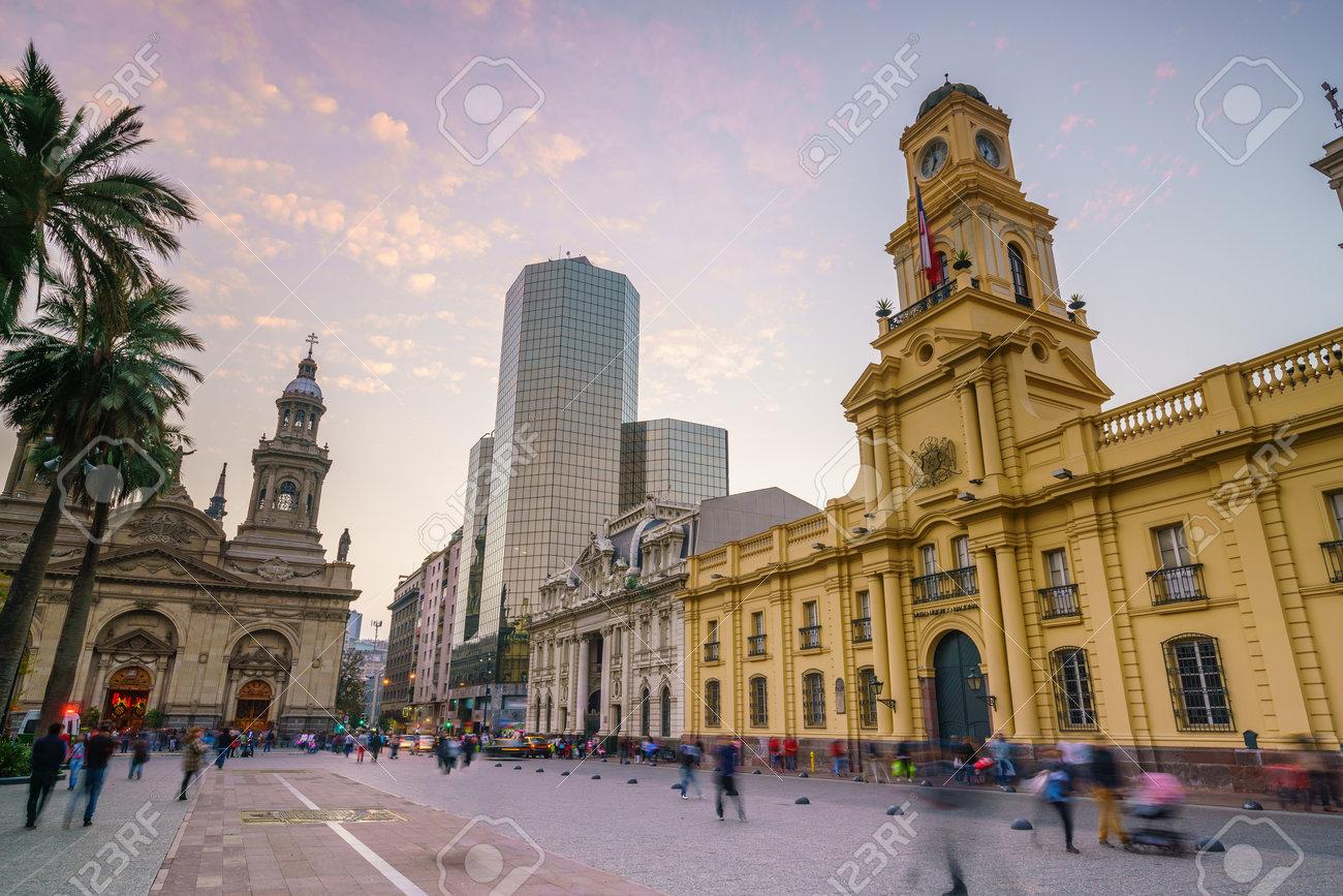 62235539-plaza-de-las-armas-%C3%A0-santiago-chili