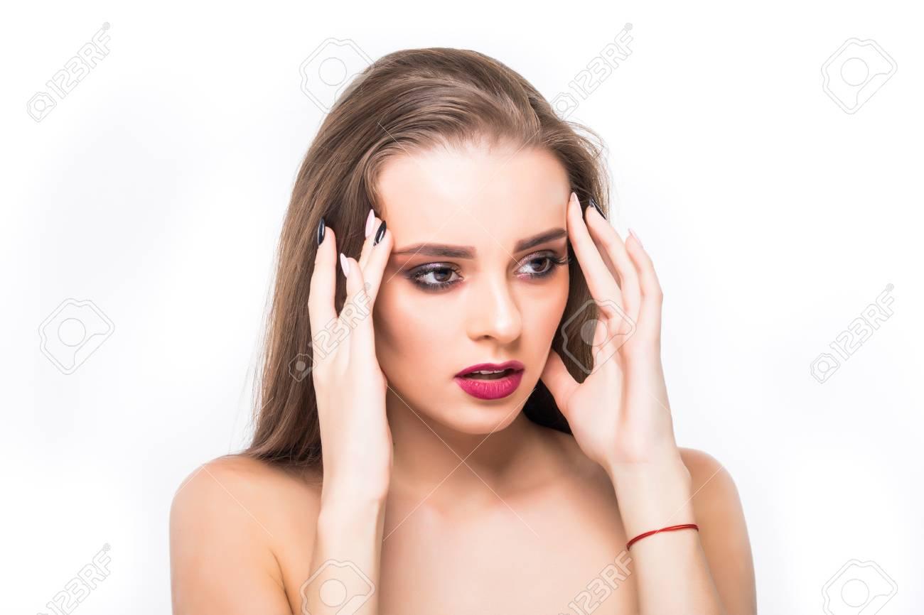 Brünette Blaue Augen Gesichtsbehandlung