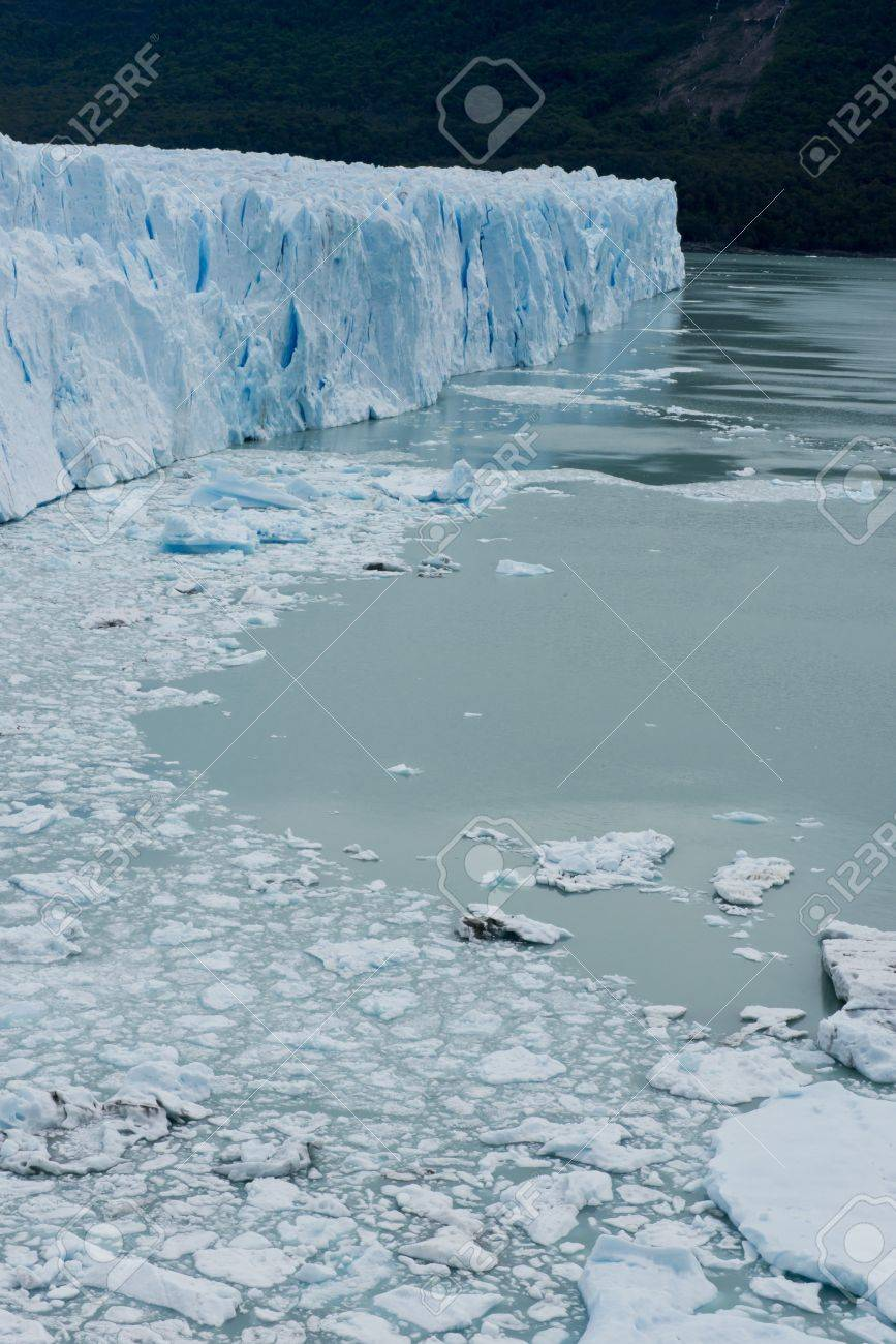 View of one of the fronts of the glacier Perito Moreno in the Los Glaciares National Park of Patagonia, facing on the Lake Argentino - 17710496
