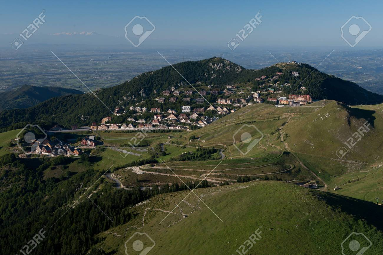 Panorama of the village of Prato Nevoso in the Ligurian Alps in Piedmont. - 31433211
