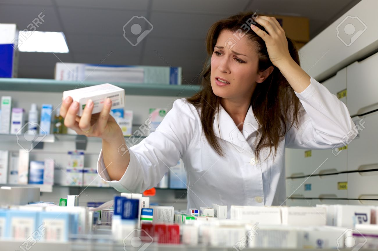 http://previews.123rf.com/images/fabianaponzi/fabianaponzi1212/fabianaponzi121200034/16880084-Angry-woman-pharmacist-not-knowing-what-to-do-with-medicine-Stock-Photo.jpg