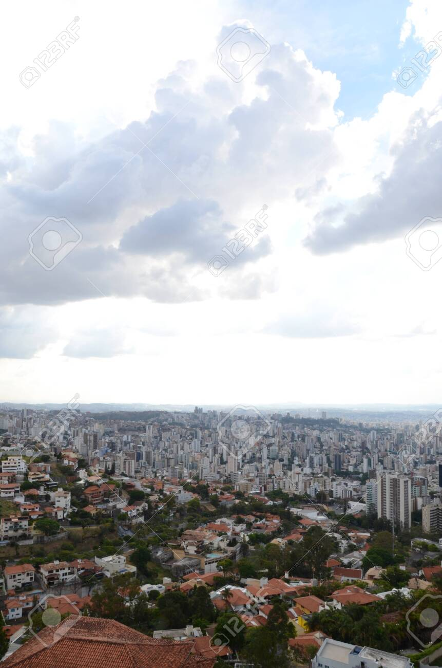 Landscape of the city of Belo Horizonte, State of Minas Gerais, Brazil at a sunny day with blue sky at 3pm in the spring - 151517282