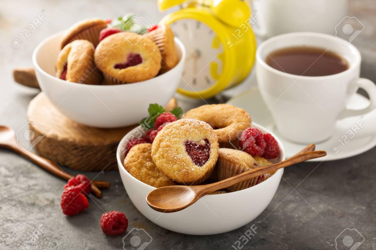 Mini raspberry muffinswith sour cream for breakfast - 122038223