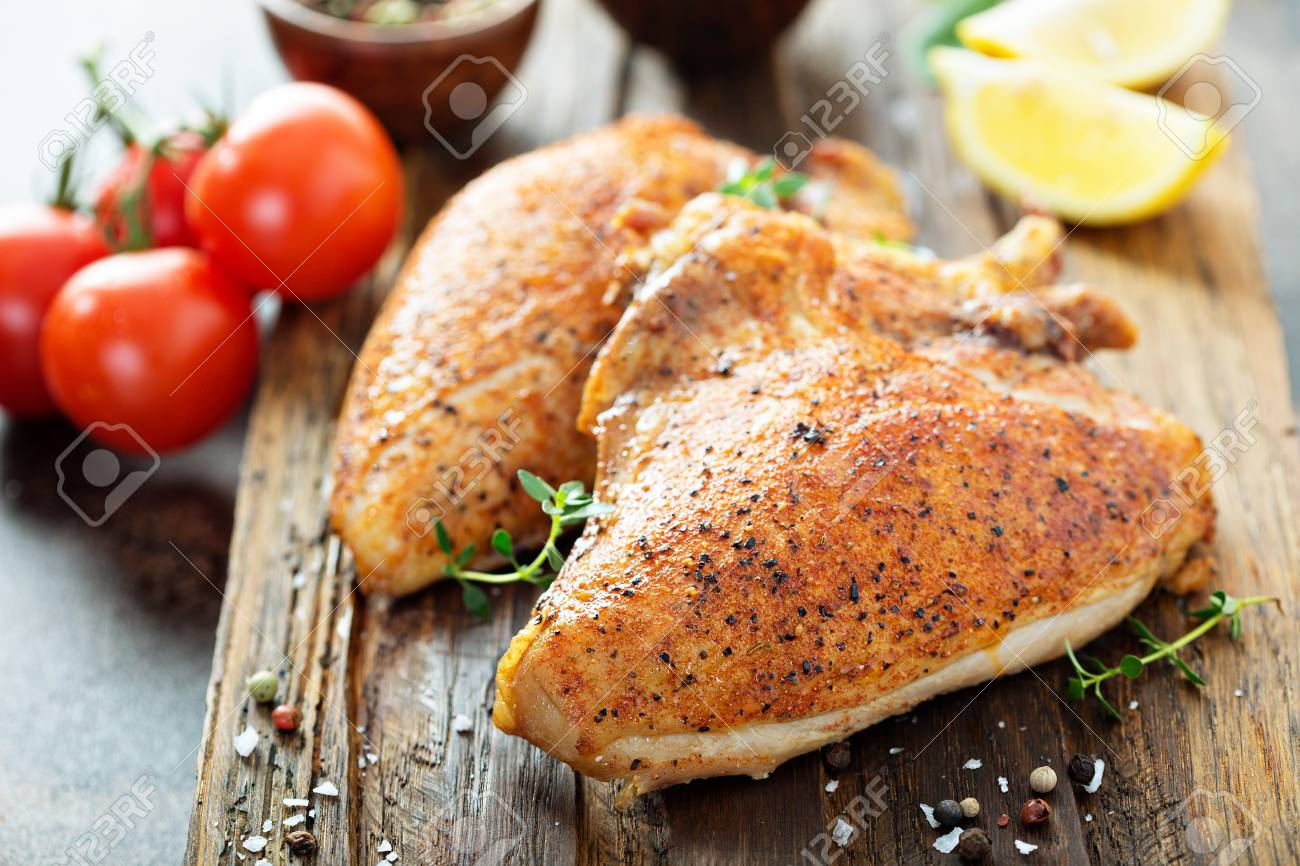 Grilled or smoked chicken with bone and skin - 105946268