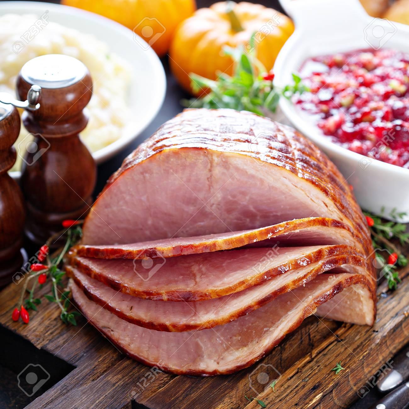 Holiday glazed sliced ham - 110714750