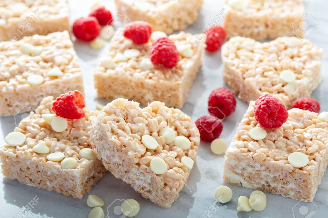 Heart and square shaped rice crispy treats - 117939586