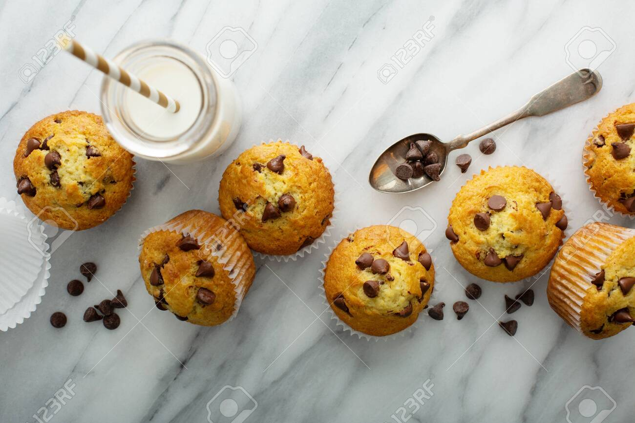 Chocolate chip muffins with milk - 127690829