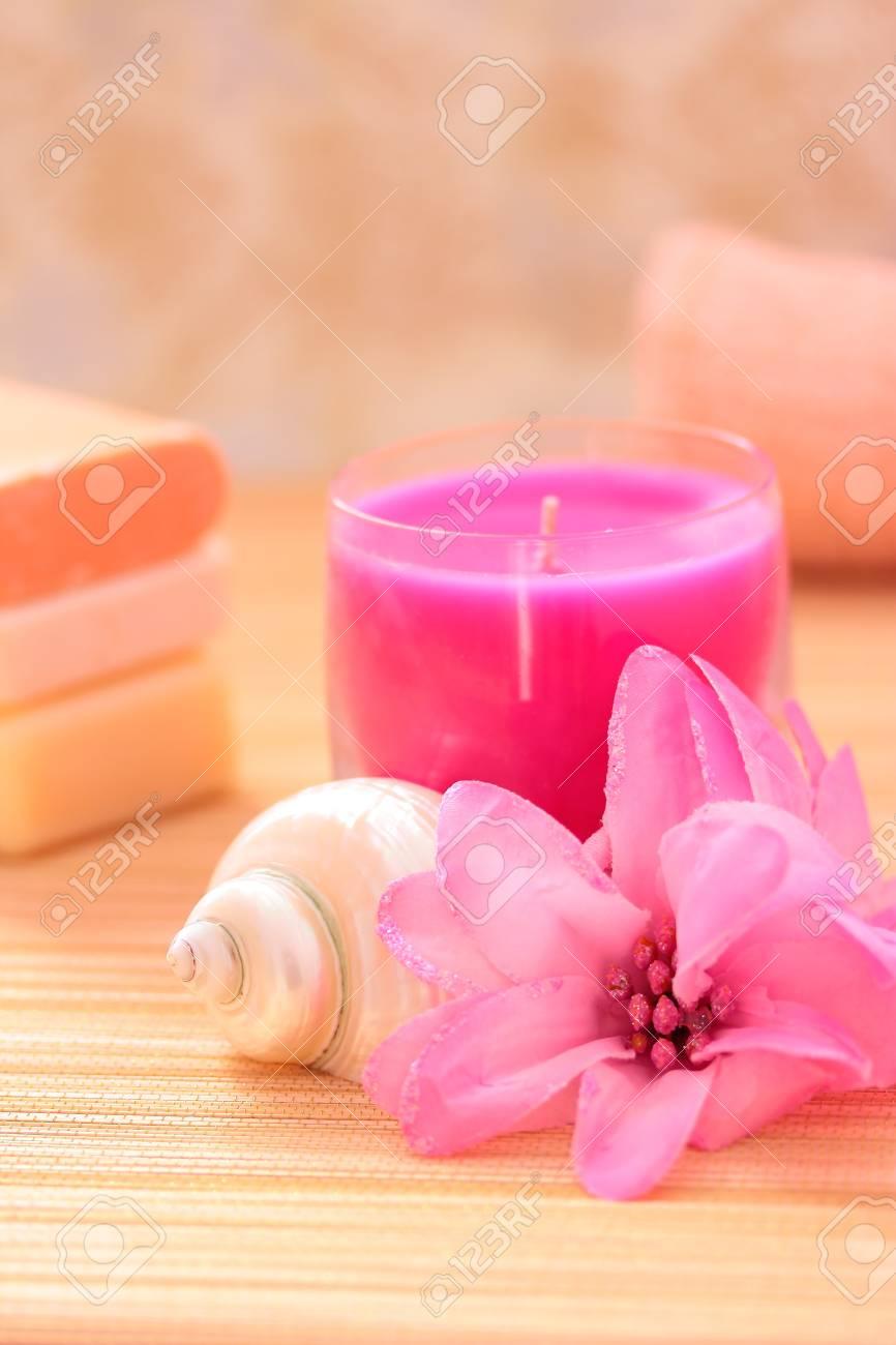 Salle De Bain Minerale ~ Savon Serviette Fleurs Pour Un Quotidien Spa Salle De Bain L