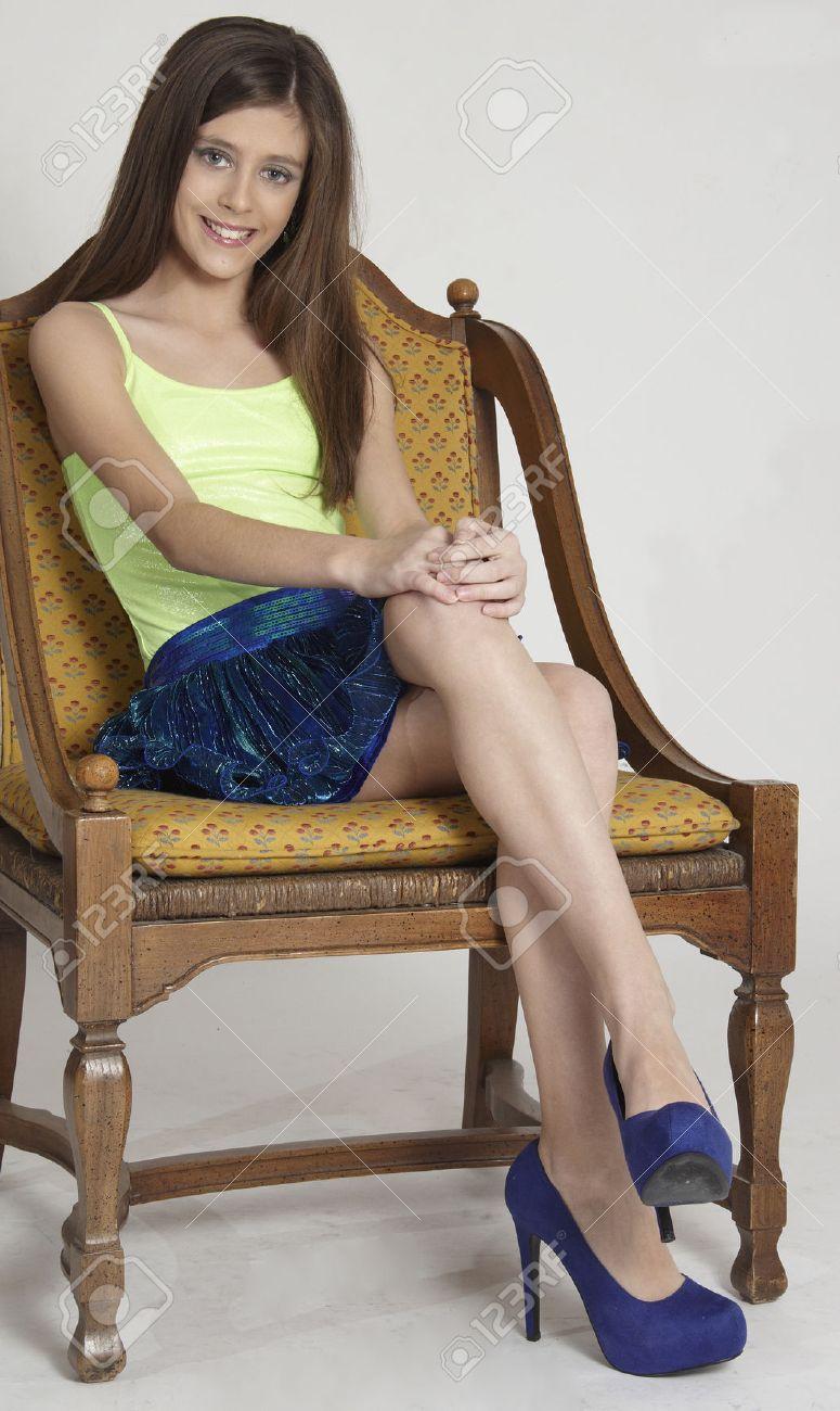 Девочка подросток без юбки