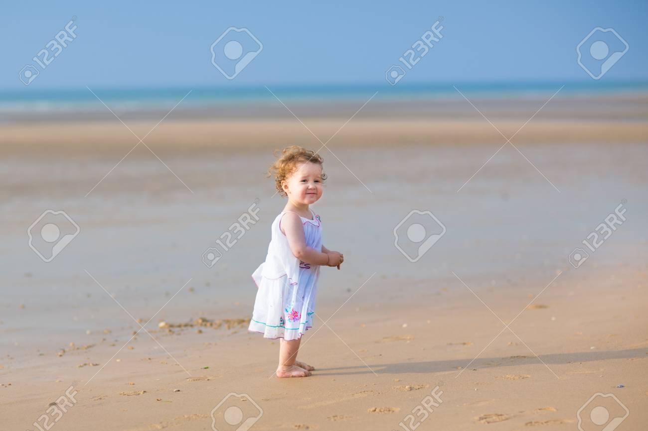 Großartig Tropische Kleider Für Hochzeit Am Strand Bilder ...