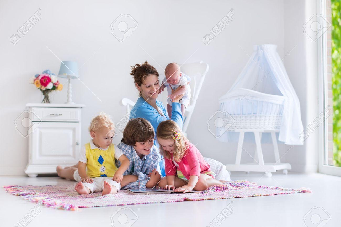 Voor Kinderen Royalty-Vrije Foto's, Plaatjes, Beelden En Stock ...