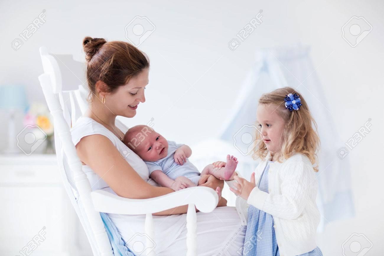 Сестра с братом и матерью 6 фотография