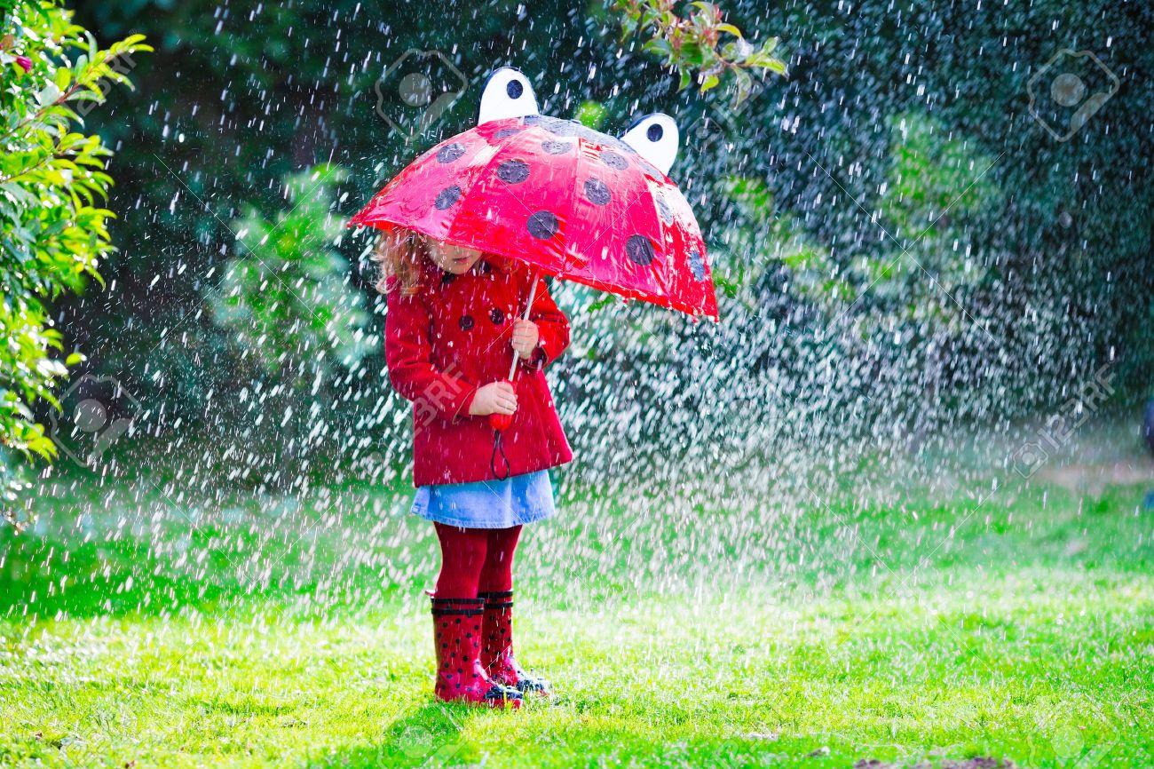 Картинки дети и дождь осенью