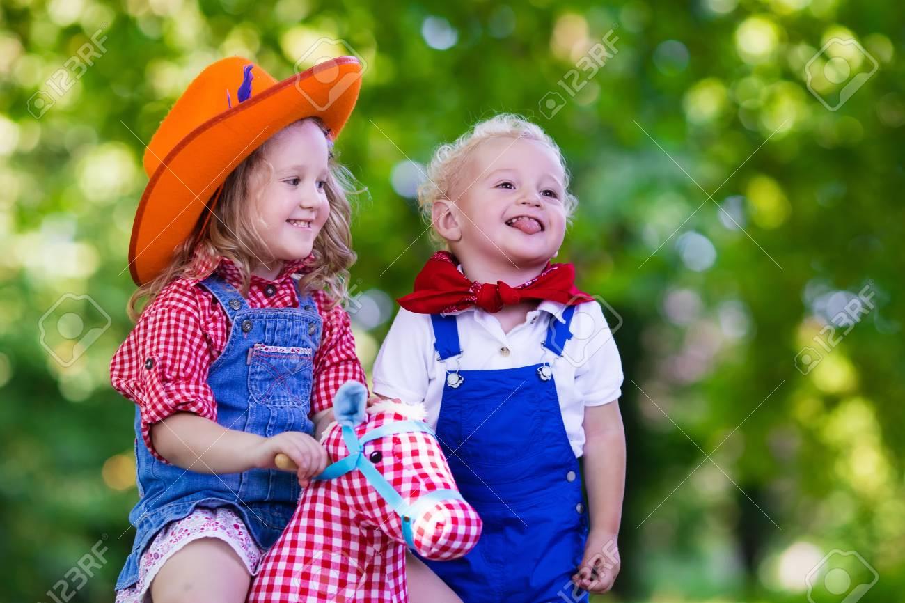 Erfreut Party Mädchen Verkleiden Sich Spiele Bilder - Brautkleider ...