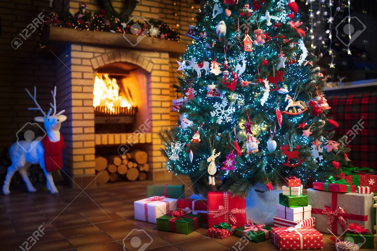 Christmas Home Interior With Tree And Fireplace Traditional