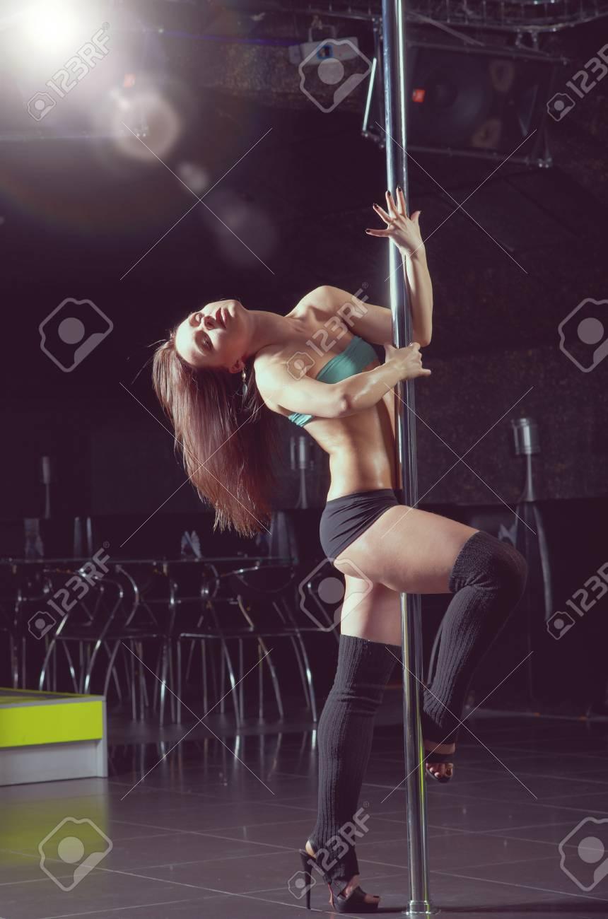 Стриптиз обучение в клубе женщины из ночного клуба