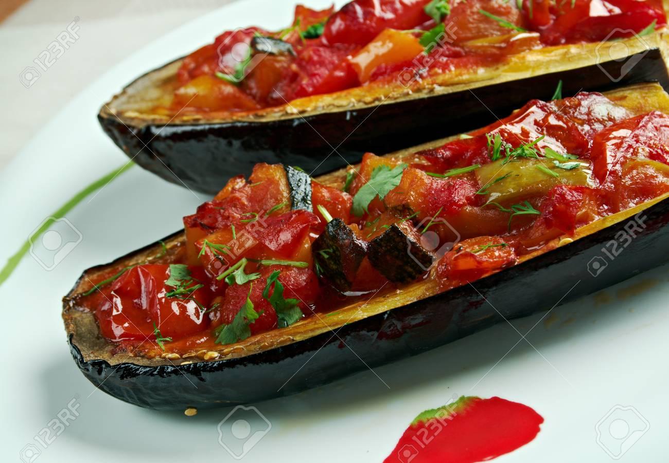 Aubergines Farcies Imam Bayildi Dishes Trouve Dans La Cuisine