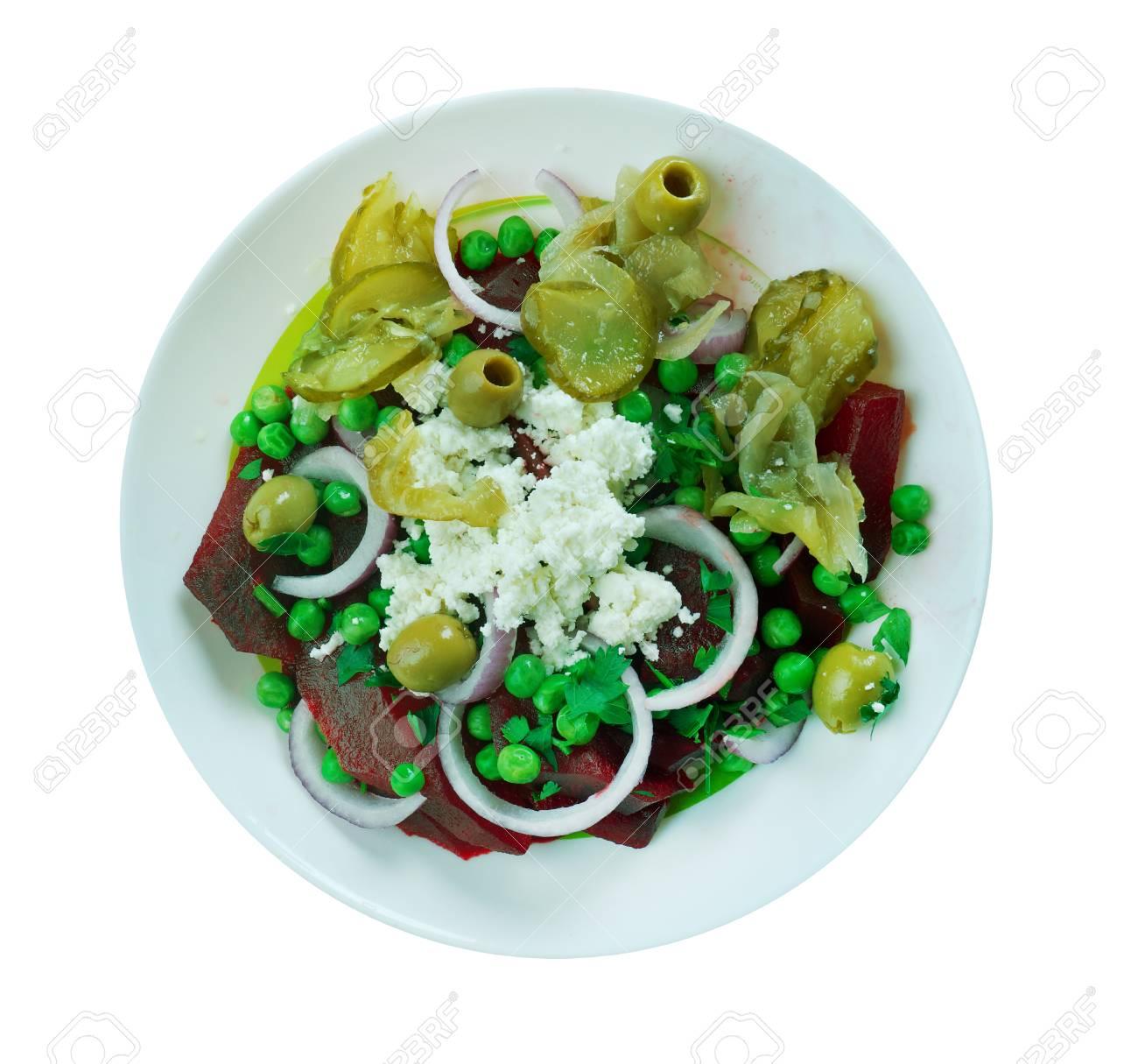 Mediterranen Küche rote bete grüne erbsen feta salad mediterranean küche lizenzfreie